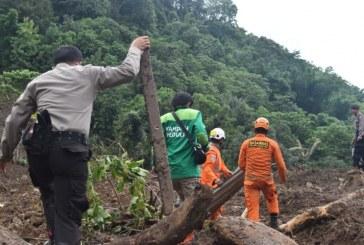 Korban Longsor Gowa Tanpa Bantuan, Relawan Nekat Tembus Daerah Terisolir