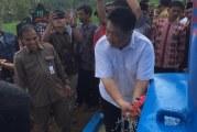 FOTO Ridwan Hisjam Serahkan Bantuan Sumur Bor di Malang