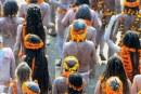 Sekte Hindu Ini Makan Kotoran Sendiri dan Lakukan Seks Terbuka