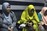 Ibu Tersangka Kasus Kampanye Hitam di Karawang Minta Maaf Kepada Jokowi