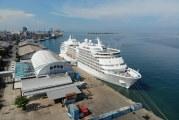 FOTO Kapal Pesiar MS Seven Seas Navigator di Makassar