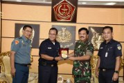 FOTO Panglima TNI Terima Dirut PT. KAI