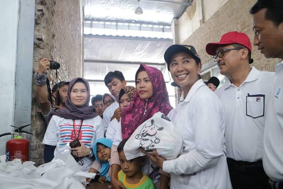 FOTO Menteri BUMN Hadiri Pangan Murah di Brebes