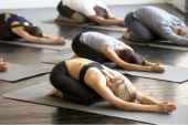 Iran Tangkap 30 Peserta Yoga Berpakaian Seksi