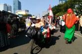 Keadaan Fisik Tak Halangi Acong Raih Rezeki di Aksi Kawal MK