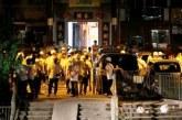 "<span class=""entry-title-primary"">Massa Bertopeng Serbu Stasiun KA, Puluhan Terluka</span> <span class=""entry-subtitle""> 430.000 Massa Demo 'Tolak China' di Hong Kong</span>"