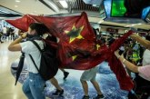 Demo Hong Kong Lecehkan Bendera China