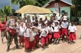 Mobil 'Pintar' Kostrad Keliling Kampung di Papua