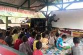 Prajurit Kostrad Jadi Guru Bimbel Anak-anak Sekolah