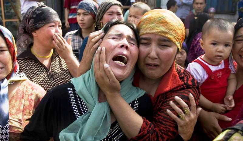 Kamp Rahasia China: Muslim Uighur Mau 'Dilenyapkan'