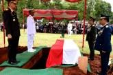 Kasum TNI Pimpin Upacara Pemakaman Edy Harjoko