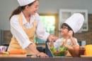 Sambut Hari Ibu, Hotel Aston Simatupang Adakan Kompetisi Cooking Class