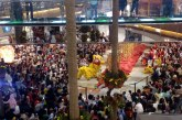 Wow Membeludak!! Barongsai Sedot Perhatian Pengunjung Pondok Indah Mall 2
