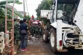 500 Prajurit TNI Bersihkan Sampah Sisa Banjir