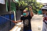 FOTO dan Video Perang terhadap Corona, Warga RT 04/RW 14 Perumahan BSP Lakukan Penyemprotan Disinfektan