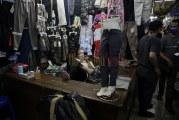 FOTO Berkurangnya Pembeli di Pasar Dagang Cipulir
