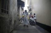 FOTO Penyemprotan Disinfektan untuk Cegah Covid-19 di Kampung Baru