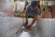 FOTO Pembuatan Peti Mati Khusus Jenazah Corona
