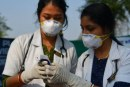 Masyarakat India Edan! Dokter Covid-19 Malah Dilempari Batu