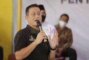 FOTO Ketua DPR, Menko PMK, dan Mensos Bagikan BST di Tangerang