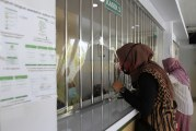 FOTO Jumlah Nasabah Pegadaian di Tangerang Meningkat Tajam Selama Pandemi Covid-19