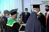 Hebat! Siti Rodiah, Mahasiswi Penjual Gorengan yang Lulus Ujian dengan Yudisium Pujian