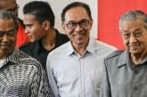 Anwar Ibrahim Klaim Telah Gulingkan PM Malaysia!