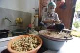 FOTO Pembuatan Jamu Berbahan Dasar Jahe