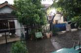FOTO Hujan Deras Disertai Angin Kencang di BSP