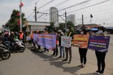 Tekan Angka Kecelakaan, KAI Daop 1 Jakarta Sosialisasikan Disiplin Berlalu Lintas di Perlintasan Sebidang