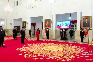 Jokowi Lantik 6 Menteri dan 5 Wamen
