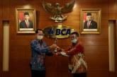 Pertahankan Kinerja yang Mengkilap, BCA Raih 'Best Company'