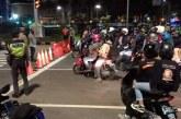 """Cegah Penularan Covid-19, Sat Patwal Polda Metro Bubarkan Para Pengendara """"Night Biker"""""""