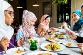Saat Disuguhi Makanan, Bolehkah Batalkan Puasa Sunah?