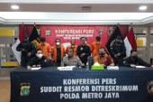 Terekam CCTV Saat Penggerebekan, Polda Metro Jaya Bekuk Polisi Gadungan di Depok