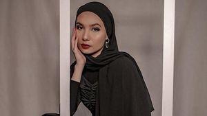 Benci Kekerasan, Bikin Artis Selebgram Ini Memeluk Islam