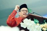 Pak Harmoko Politisi yang Matang dan Berwawasan Luas