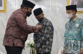 """Yaqut """"Serahkan"""" Kursi Menteri Agama kepada Santri Pesantren Nurul Jadid"""